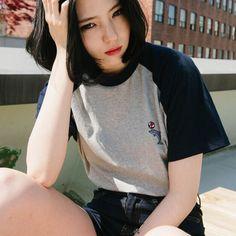 זול blusas אופנה 2016 קיץ סגנון דולפין רקום harajuku ulzzang קוריאה חולצות טי חולצה עם שרוולים קצרים חולצות מזדמנים נשים, לקנות איכות t - חולצות ישירות מספקי סין:  מידה אחת : חזה 100 אורך 61 לשטוף : לשטוף ידיים