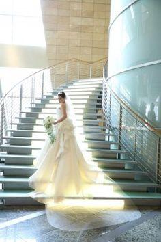 【基礎知識】ウエディングドレスの種類とブランドを徹底研究!今、知りたいドレス事情 Wedding Dresses, Japan, Fashion, Bride Dresses, Moda, Bridal Gowns, Fashion Styles, Weeding Dresses, Wedding Dressses