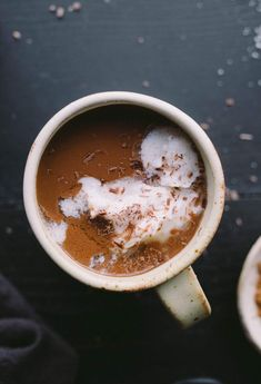 This Superfood Maca Hot Chocolate combines cacao powder maca powder cinnamon cayenne sea salt and a touch of maple syrup to make for a rich and healthy hot drink. Smoothie Drinks, Smoothie Recipes, Juice Recipes, Yummy Recipes, Chocolate Recipes, Hot Chocolate, Cacao Recipes, Vegan Desserts, Dessert Recipes