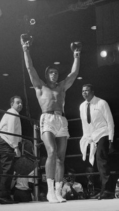 Muhammad Ali / Cassius Clay - Data y Fotos Sports Illustrated, Fiona Y Shrek, Boxe Fight, Fifa, Kentucky, Muhammad Ali Boxing, Boxing History, Float Like A Butterfly, Sports Personality