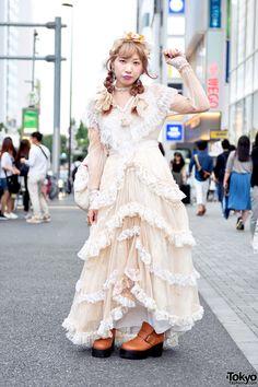 Tyatyamal is wearing a long vintage ruffle dress from the Tokyo vintage shop… Tokyo Street Fashion, Tokyo Street Style, Japanese Street Fashion, Japan Fashion, Hipster Grunge, Grunge Style, Harajuku Mode, Harajuku Fashion, Lolita Fashion