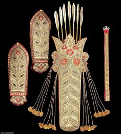 A golden age: This embroidered quiver and arm guards, belt and seven decorated arrows, made for Tipu, is expected to sell for Archery Quiver, Archery Arrows, Bow Arrows, Muslim Culture, Medieval Weapons, Archery Equipment, Swords And Daggers, Indian Textiles, Historical Art
