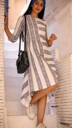 Trendy Long and Short Summer Dresses Kurti Neck Designs, Kurta Designs Women, Short Summer Dresses, Simple Dresses, Linen Dresses, Cotton Dresses, Cotton Tunics, Indian Fashion, Dame