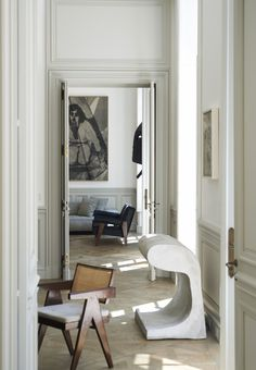 A Merry Mishap: 3 Minimalist Ideas for Lightly Accessorizing Your Space