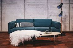 Kaboompics - Free High Quality Photos - Blue sofa with pillows in a designer living room interior Interior Design Jobs, Interior Design Business, Living Room Interior, Home Art, Living Room Designs, This Or That Questions, Pillows, Furniture, Pour Painting