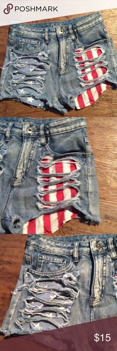 High wasted American jean shorts American flag pockets only worn twice! chiqle Shorts Jean Shorts