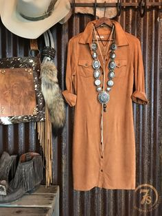 The Cowgal – Savannah Sevens Western Chic Western Chic, Western Wear, Cowgirl Mode, Cowgirl Style, Cowgirl Chic, Hippie Chic, Bohemian Mode, Rodeo Outfits, Cute Outfits
