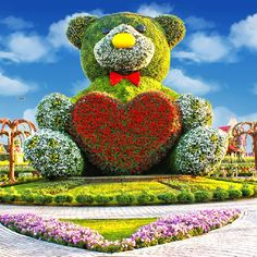 The Dubai Miracle Garden - the world's largest natural flower garden – has almost 50 million flowers. The Dubai Miracle Garden is a flow. Most Beautiful Gardens, Beautiful Flowers Garden, Amazing Flowers, Pretty Flowers, Amazing Gardens, Topiary Garden, Garden Art, Beautiful Nature Wallpaper, Beautiful Landscapes