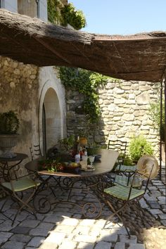 Wonderful stone outdoor patio eating area in Provence, France Outdoor Rooms, Outdoor Gardens, Outdoor Living, Provence France, Provence Garden, French Countryside, French Country Style, Country Life, Country Chic