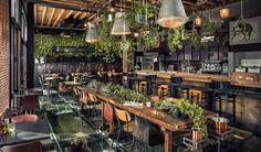 Deze hotspot is onlangs geopend in het Belgische Antwerpen, Restaurant Roest. Met voor ieder wat wils: ontbijt, lunch, diner of bar.