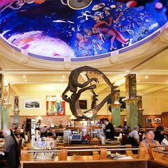 Brasserie La Coupole Véritable joyau de l'Art déco, La Coupole est la brasserie parisienne la plus connue au monde. Paris exceptionnel http://www.pinterest.com/achatenville/paris-boutiques-exceptionnelles/