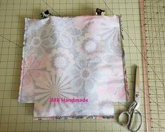 How to Make a Simple Tote Bag - JMB Handmade Diy Bags Patterns, Handbag Patterns, Sewing Patterns, Patchwork Bags, Quilted Bag, Patchwork Patterns, Easy Tote Bag Pattern Free, Tote Pattern, Diy Tote Bag