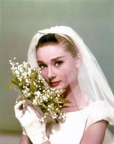 Audrey with flowers in 1957, Funny Face