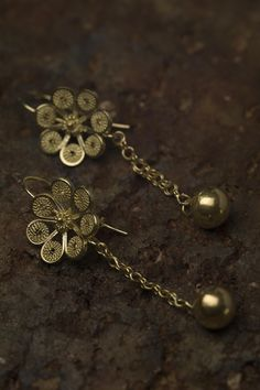 Filigree Ring, Jewelry Art, Rings, Flower, Craft, Gold Stud Earrings, Bracelet, Nail Forms, Fashion Accessories