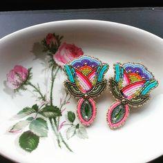 Earrings by Wanda McNab via Facebook #earrings #powwowbling #beaded
