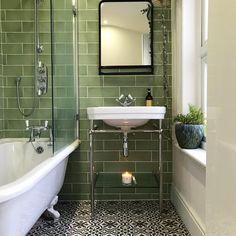 32 Ideas bathroom ideas victorian bath for 2019 Edwardian Bathroom, Victorian Style Bathroom, Victorian Toilet, Vintage Bathrooms, Small Bathroom Inspiration, Bad Inspiration, Bathroom Ideas, Bathroom Layout, Victorian Terrace Interior