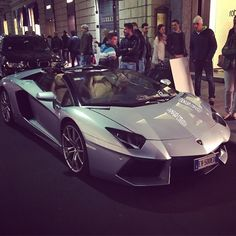 Uhuh surprise from #milano  #Lamborghini #aventador #roadster  If you want more subscribe our #youtubechannel #otty92 - #supercars #awesome #followme #carspotting #supercarsdaily700 #supercarlifestyle #supercarthailand #supercarbkk #supercars96 #supercarfocus #supercarpics1 #supercar_lifestyle #carspotting #dreamcars #luxury #luxurycars_247_