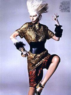 Revista Vogue Brasil - Cocar de Penas Conceito Inverno 14 - lancaperfume.com.br