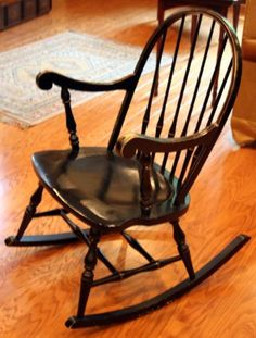 Old rocking chairs on pinterest rocking chairs vintage for Schaukelstuhl shaker