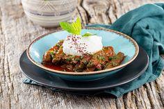 Turkish Dolma Recipe #recipes #food Turkish Dolma Recipe, Turkish Recipes, Ethnic Recipes, Lemon Fish, Chili Dogs, Banana Nut Bread, Mince Meat