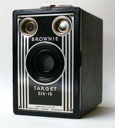 Vintage Brownie Target Six-16 Box Camera 1946-1951