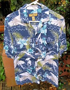 HAWAIIAN Aloha SHIRT S  21.5 pit to pit CARIBBEAN JOE Tropical Flowers Rayon #SeeDescription #Hawaiian