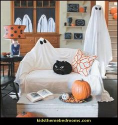 Decorating theme bedrooms - Maries Manor: Halloween decorations ...