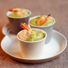 Découvrez la recette Avocat gratiné aux crevettes sur cuisineactuelle.fr.