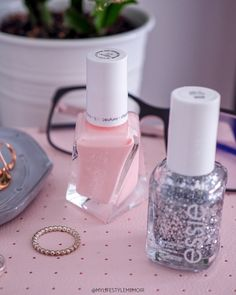 Pregnancy comes with a lot of changes, but nothing could stop me from having pretty nails! Find out what nail color love I am crushing on! Pale Pink Nails, Pink Nail Polish, White Polish, Shellac Manicure, Baby Nails, Little Baby Girl, Beauty Must Haves, Pink Lipsticks, Pink Walls