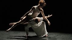 Sylvie Guillem & Russell Maliphant / Push (2005)photo credits ©Johan Persson