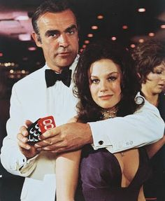 BLACK HOLE REVIEWS: DIAMONDS ARE FOREVER (1971) - James Bond in Las Vegas
