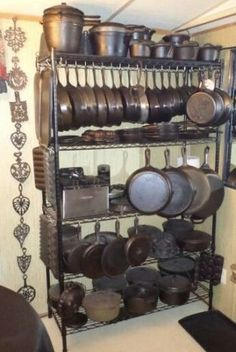 Pots and pans storage. Maybe can be in pull out version My Dream Kitchen Cast Iron Skillet, Cast Iron Cooking, Kitchen Organization, Kitchen Storage, Kitchen Design, Kitchen Decor, Kitchen Layout, Kitchen Ideas, Kitchen Small