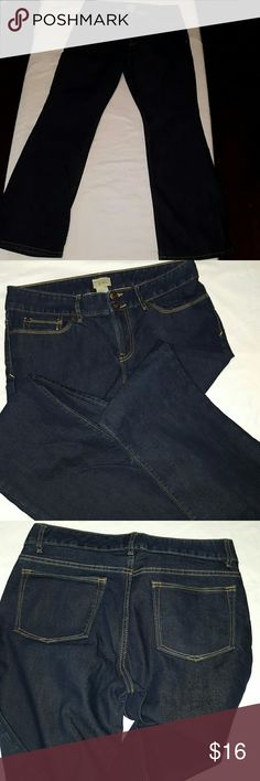 Gap essential boot cut jeans Great condition dark wash 100% cotton boot cut jeans GAP Jeans Boot Cut