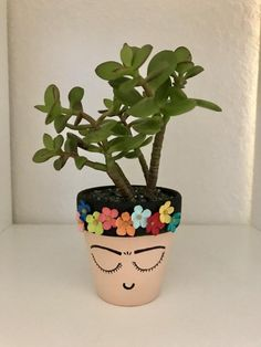 Awesome Marvelous Small Planters Ideas To Maximize Your Interior Design Flower Pot Crafts, Clay Pot Crafts, Diy Crafts, Diy Flower, Painted Plant Pots, Painted Flower Pots, Painted Pebbles, Easiest Flowers To Grow, Cactus E Suculentas