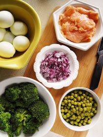 sio-smutki! Monika od kuchni: Sałatka z jajkiem, łososiem i brokułem Snack Recipes, Snacks, Salads, Food And Drink, Ethnic Recipes, Snack Mix Recipes, Appetizer Recipes, Appetizers, Treats