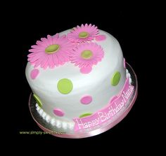 pink daisies birthday cake by Simply Sweets