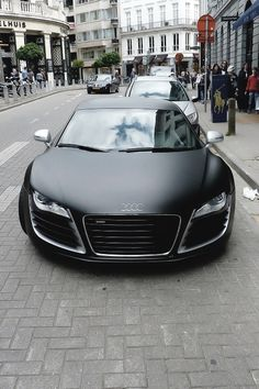 Matte black Audi R8 true carporn. Help! I'm in love.