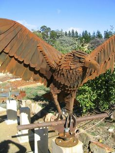 Metal Yard Art, Scrap Metal Art, Eagle Statue, Eagle Art, Metal Art Sculpture, Welding Art, Metal Crafts, Blacksmithing, Garden Art