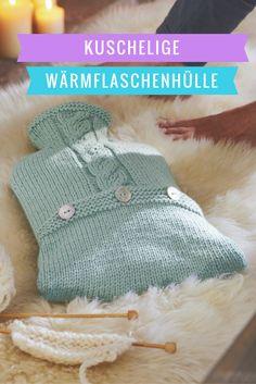 Kuschelige Wärmflaschenhülle zum selber stricken. Knit Crochet, Crochet Hats, Knitted Hats, Knitting, Knitting And Crocheting, Packaging, Knitting Hats, Tricot, Breien