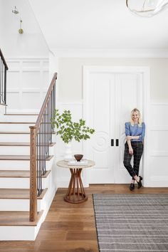 Portland Reveal: A Light & Bright Home Office – Emily Henderson – Decorating Foyer Home Office Furniture, Home Office Decor, Pure White Sherwin Williams, Entry Stairs, Bright Homes, Foyer Decorating, Staircase Design, Wood Staircase, Foyer Design