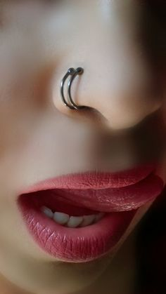 It is one of the most popular types of piercings. Holes drilled for piercing in the ear heal quickly and do not put a big load on the immune system during the healing process. What is Piercing? Beautiful Lips, Beautiful Girl Indian, Most Beautiful Indian Actress, Beautiful Heroine, Tragus Piercings, Cartilage Earrings, Septum, Cartilage Hoop, Hoop Earrings