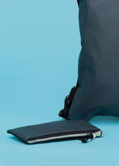 TENSHIBAG Mini Backpack  A Mini Backpack is variálható, vízálló, kérhető bőrrel is. Legyen szó csajos estéről a városban vagy egy maratoni fesztiválhétről, ez a tatyó nem hagy cserben!