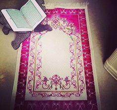 Ve Allah, kâfirlere mü'minler aleyhinde (kalıcı bir gâlibiyete) aslâ bir yol vermeyecektir.   Nisâ Sûresi - 141