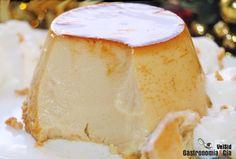 Flan de turrón de Jijona Sweets Recipes, Candy Recipes, Xmas Pudding, Guatemalan Recipes, Food Texture, Flan Recipe, Decadent Cakes, Creative Desserts, My Dessert