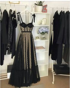 Fabulous outfit idea to copy ♥ For more inspiration join our group Amazing Things ♥ You might also like these related products: - Dresses ->. Elegant Dresses, Pretty Dresses, Beautiful Dresses, Formal Dresses, Dress Skirt, Dress Up, Mode Shoes, Style Rock, Queen Dress