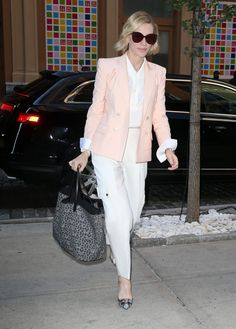 cate-blanchett-out-and-about-in-new-york-city-2.jpg 1.200×1.676 píxeles