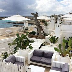 One of the terraces @donferrante to enjoy the view over the ocean! #happysunday