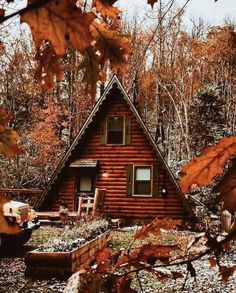 I would love to have a cottage like this 🧡🍂 ~ tags: fall autumn leaves red orange yellow cold halloween trickortreat spooky apples cool chilly costume candy boo skeletons pumpkin jackolantern september october food thanksgiving Days Until Halloween, Halloween Christmas, Digital Foto, Garden Design, House Design, Autumn Cozy, Autumn Fall, Autumn Leaves, Autumn Aesthetic