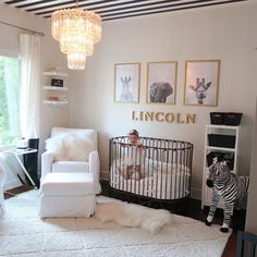 The 30 Best Jungle / Safari Themed Nursery Room Ideas « inspiredesign Safari Theme Nursery, Nursery Themes, Nursery Room, Girl Nursery, Jungle Safari, Themed Nursery, Jungle Nursery, Babies Nursery, Baby Room Design