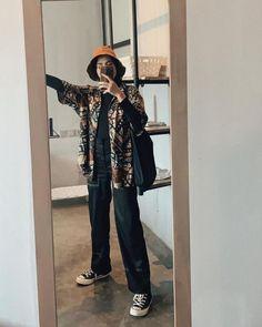 Modern Hijab Fashion, Street Hijab Fashion, Hijab Fashion Inspiration, Muslim Fashion, Look Fashion, Fashion Outfits, Modesty Fashion, Batik Fashion, Fasion